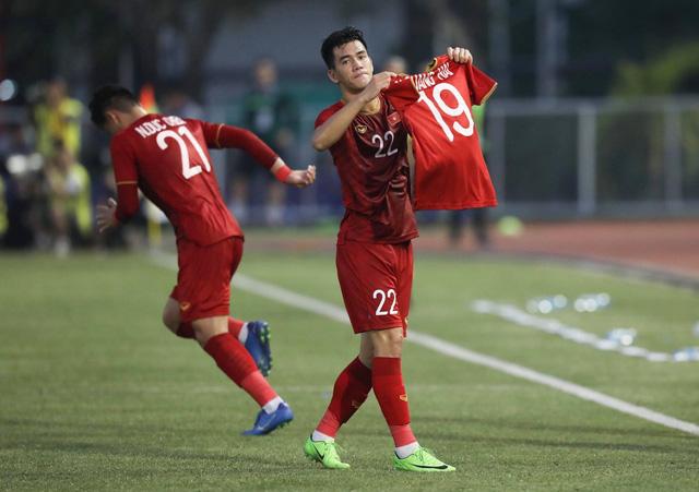 HLV Park Hang-seo úp mở về khả năng trở lại của Quang Hải trong trận chung kết - Ảnh 1.