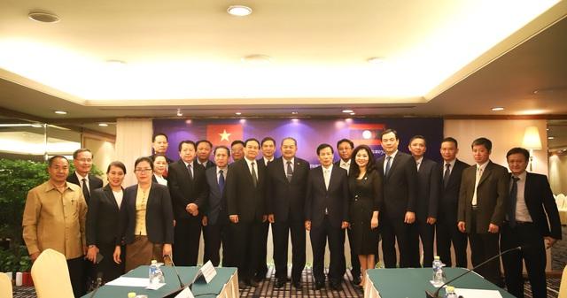 Bộ trưởng Bộ VHTTDL Nguyễn Ngọc Thiện hội đàm cùng Bộ trưởng Bộ TTVHTL Lào Kị-kẹo Khay-khăm-pi-thun - Ảnh 4.