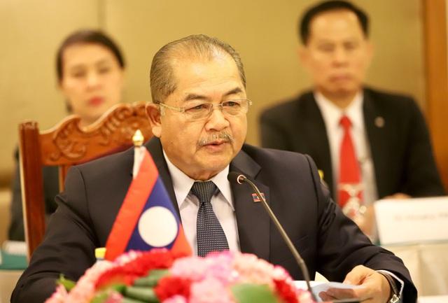 Bộ trưởng Bộ VHTTDL Nguyễn Ngọc Thiện hội đàm cùng Bộ trưởng Bộ TTVHTL Lào Kị-kẹo Khay-khăm-pi-thun - Ảnh 3.