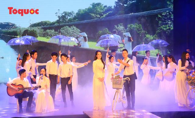 """Giới thiệu văn hóa Việt cho du khách quốc tế qua """"Áo Dài Show"""" - Ảnh 8."""
