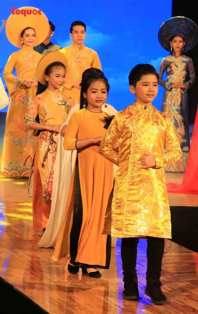 """Giới thiệu văn hóa Việt cho du khách quốc tế qua """"Áo Dài Show"""" - Ảnh 26."""