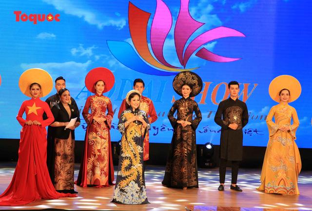 """Giới thiệu văn hóa Việt cho du khách quốc tế qua """"Áo Dài Show"""" - Ảnh 27."""