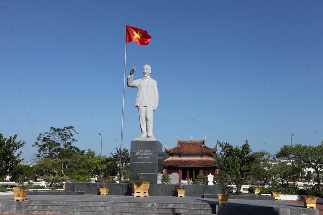 Khánh thành chùa Cô Tô - Cột mốc văn hóa tâm linh nơi biển đảo - Ảnh 4.