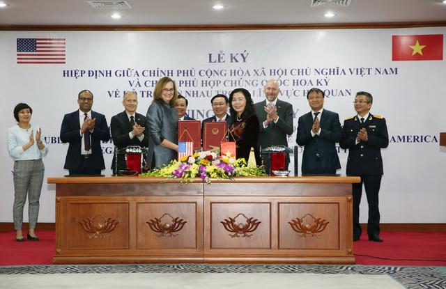 Việt Nam - Hoa Kỳ ký kết hợp tác trong lĩnh vực hải quan - Ảnh 1.