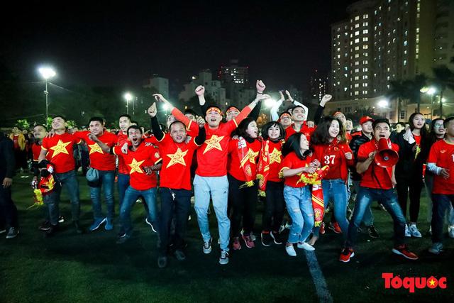 [Trực tiếp] U22 Việt Nam vs U22 Campuchia: Bàn thua thứ 4 cho U22 Campuchia - Ảnh 2.