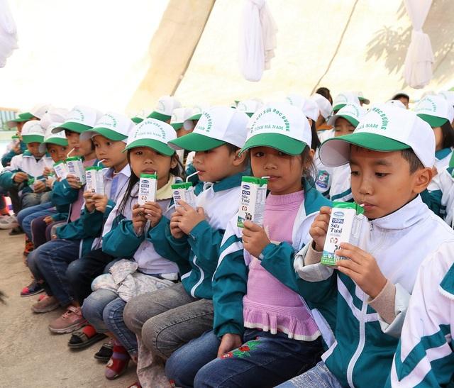 Tỉnh Hà Nam tổ chức lễ phát động chương trình Sữa học đường - Ảnh 1.