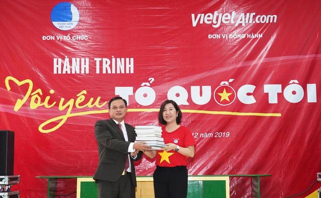 Vietjet tri ân bậc tiền nhân của đất nước  - Ảnh 2.