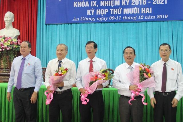 Bầu bổ sung nhân sự các tỉnh An Giang và Gia Lai - Ảnh 1.