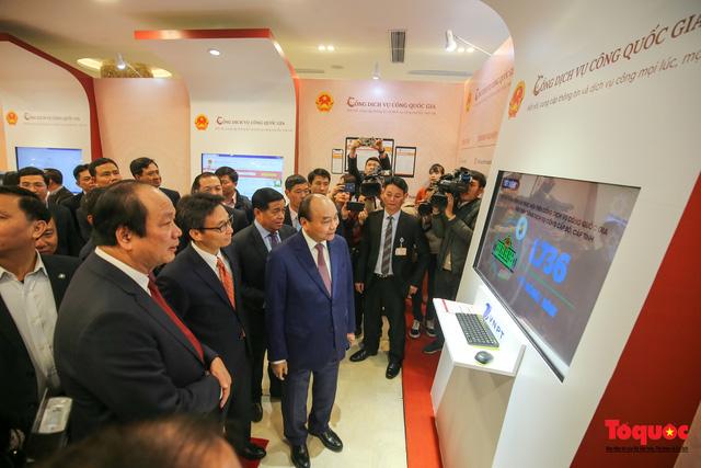 Thủ tướng Nguyễn Xuân Phúc: Cổng dịch vụ công Quốc gia là một trong những công cụ góp phần vào chống nhũng nhiễu, tiêu cực - Ảnh 1.