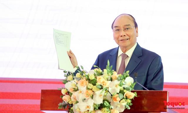 Thủ tướng Nguyễn Xuân Phúc: Cổng dịch vụ công Quốc gia là một trong những công cụ góp phần vào chống nhũng nhiễu, tiêu cực - Ảnh 2.