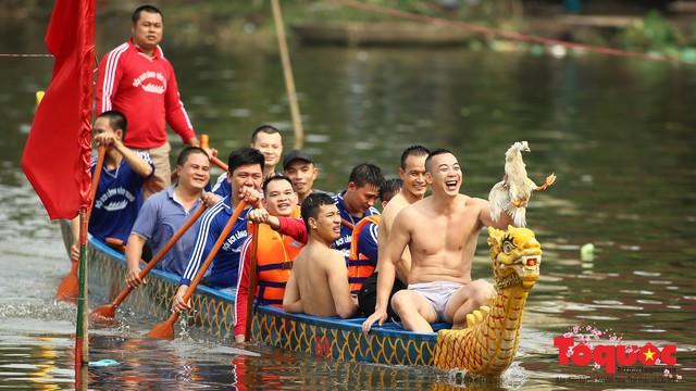 Thi nấu cơm, bắt vịt trong trận thuỷ chiến tại lễ hội Bạch Hào - Ảnh 19.