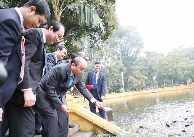 Đầu xuân Kỷ Hợi 2019, Thủ tướng dâng hương và trồng cây lưu niệm tại Khu di tích Chủ tịch Hồ Chí Minh tại Phủ Chủ tịch  - Ảnh 2.