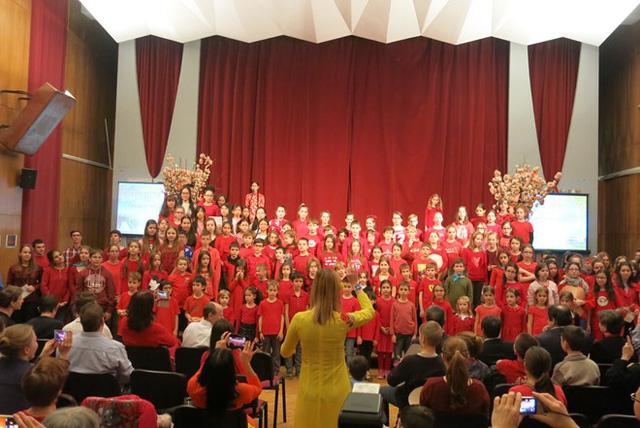 Quảng bá văn hóa Việt tại trường học Hungary - Ảnh 1.