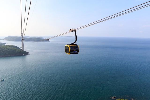 Hòn Thơm, Phú Quốc hấp dẫn hàng nghìn du khách rủ nhau về đón Tết vì sao? - Ảnh 1.