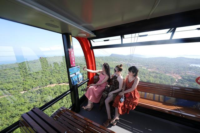 Hòn Thơm, Phú Quốc hấp dẫn hàng nghìn du khách rủ nhau về đón Tết vì sao? - Ảnh 2.
