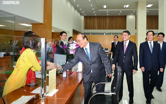 Thủ tướng đề nghị Ngân hàng Chính sách xã hội cần đảm bảo cho vay đúng đối tượng, đúng mục đích sử dụng - Ảnh 2.