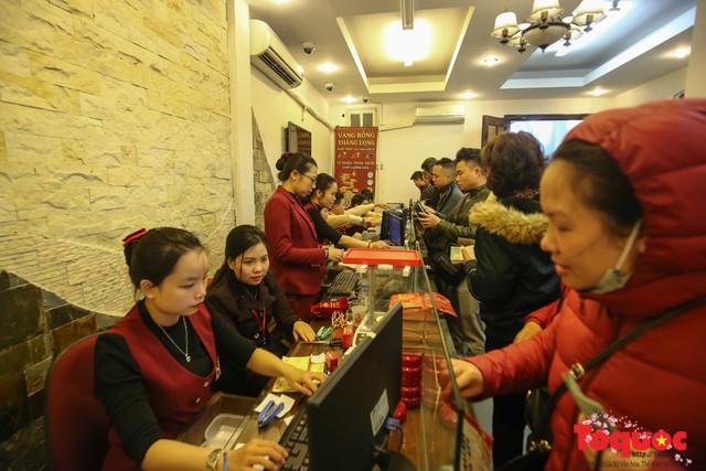 Hé lộ kinh nghiệm khi mua vàng ngày vía Thần Tài - Ảnh 2.