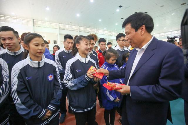 Hình ảnh Bộ trưởng Nguyễn Ngọc Thiện thăm và chúc Tết các VĐV, HLV  - Ảnh 3.