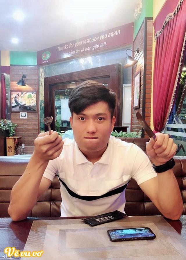 Phát hoảng với cân nặng của cầu thủ Việt Nam sau Tết vì ăn nhiều bánh chưng - Ảnh 6.