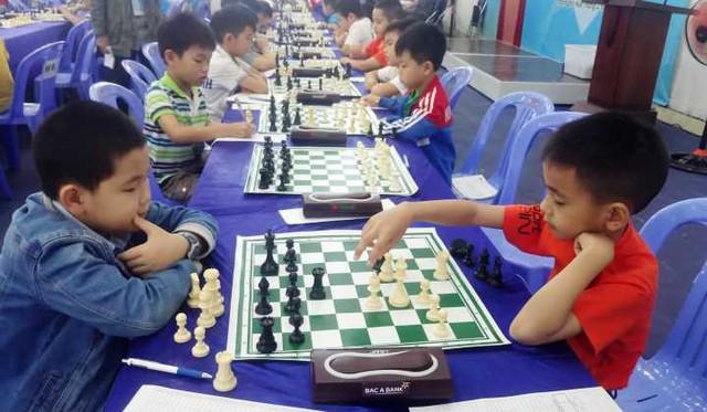 300 vận động viên tham dự giải Cờ vua, Cờ tướng các nhóm tuổi trẻ miền Trung mở rộng  - Ảnh 1.