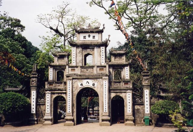 Đầu năm, du xuẩn trẩy hội chùa Hương - Ảnh 3.