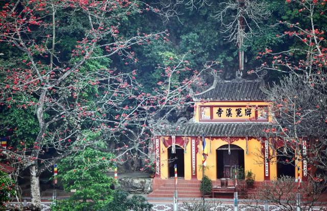 Đầu năm, du xuẩn trẩy hội chùa Hương - Ảnh 1.
