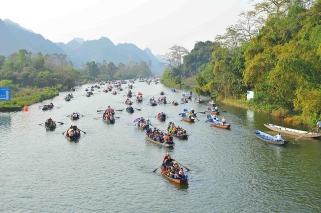 Đầu năm, du xuẩn trẩy hội chùa Hương - Ảnh 10.