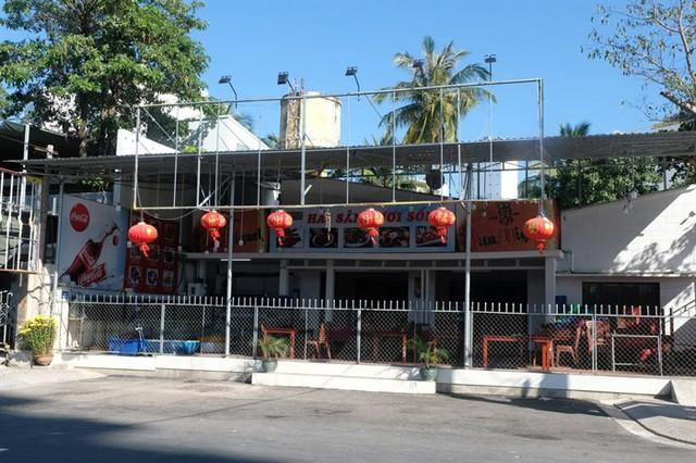 Khánh Hòa: Kiên quyết xử lý nghiêm nhà hàng phục vụ khách du lịch nhưng chưa đủ điều kiện - Ảnh 1.