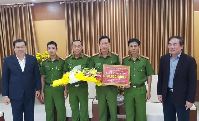 Chủ tịch Đà Nẵng thưởng nóng Ban chuyên án triệt phá vụ ma túy lớn  - Ảnh 1.