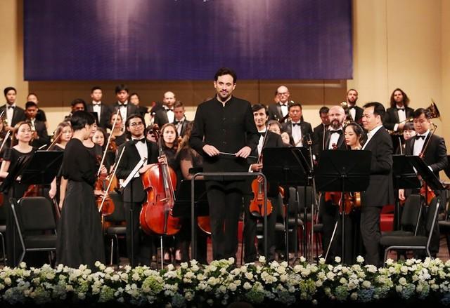 Hồi hộp chờ đợi đêm hòa nhạc Vũ điệu Mặt Trời của Dàn nhạc Giao hưởng Mặt trời - Ảnh 1.