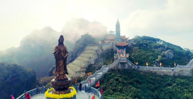 Những khoảnh khắc thiên nhiên vi diệu trên đỉnh Fansipan - Ảnh 6.