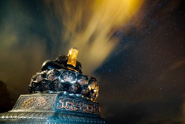 Những khoảnh khắc thiên nhiên vi diệu trên đỉnh Fansipan - Ảnh 9.