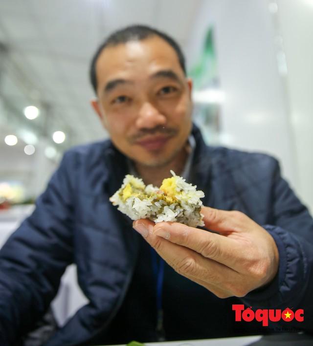 Phóng viên nước ngoài thích thú với ẩm thực Việt Nam - Ảnh 14.