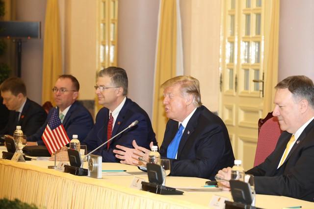 Clip, hình ảnh Tổng thống Donald Trump được đón tiếp trang trọng tại Phủ Chủ tịch - Ảnh 4.