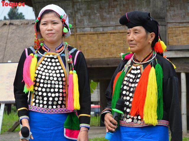 Bảo tồn trang phục truyền thống của đồng bào dân tộc thiểu số luôn là vấn đề cấp bách - Ảnh 2.