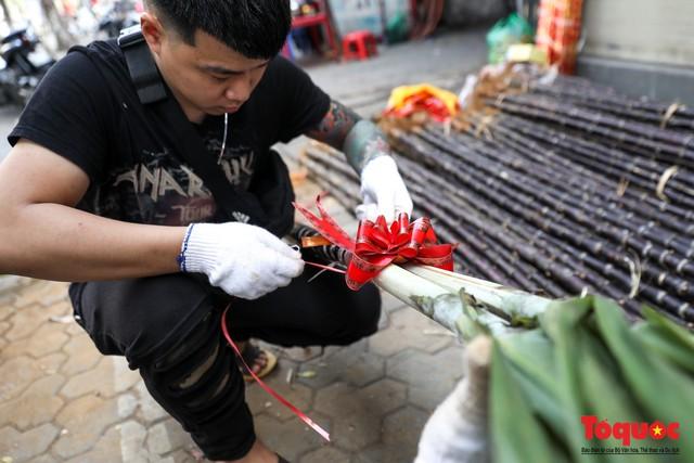 Chiều 30 tết: Mía lộc tràn ngập đường phố Hà nội - Ảnh 10.