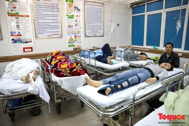 Hình ảnh Bộ trưởng Nguyễn Thị Kim Tiến thăm bệnh nhân tại Hà Nội trong đêm giao thừa - Ảnh 10.