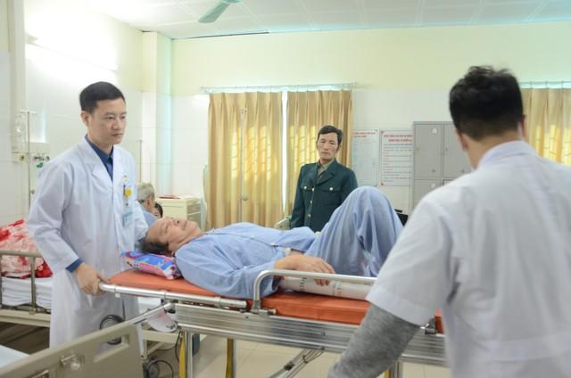 Xuân ấm áp cho các bệnh nhân phải ở lại bệnh viện ăn Tết - Ảnh 2.