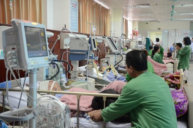 Xuân ấm áp cho các bệnh nhân phải ở lại bệnh viện ăn Tết - Ảnh 1.