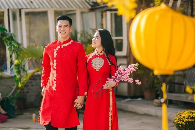 Tết Kỷ Hợi: Hội cầu thủ Việt cực đẹp trong áo dài cách tân - Ảnh 4.