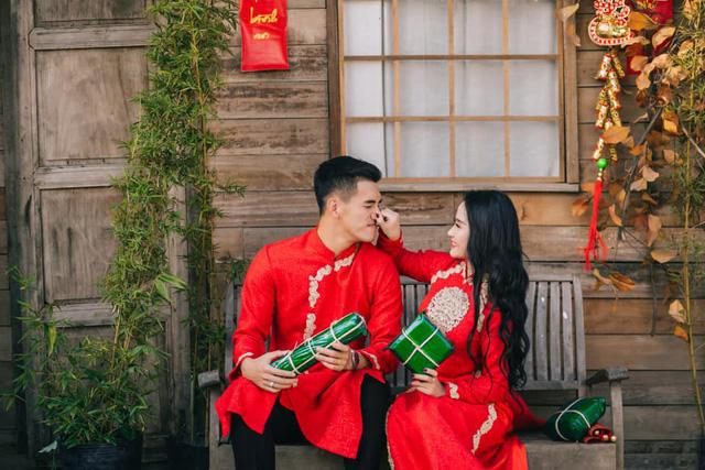 Tết Kỷ Hợi: Hội cầu thủ Việt cực đẹp trong áo dài cách tân - Ảnh 6.