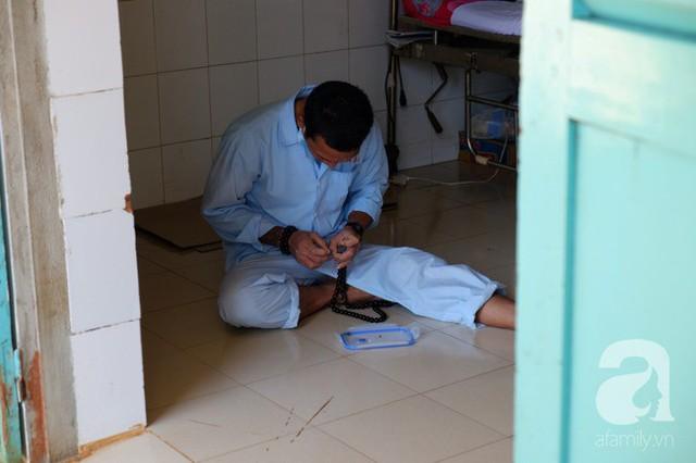 Chuyện xúc động ngày Tết: Điều dưỡng bỏ vợ con đêm giao thừa, lao đi cứu bệnh nhân HIV/AIDS lòi ruột nguy kịch - Ảnh 8.