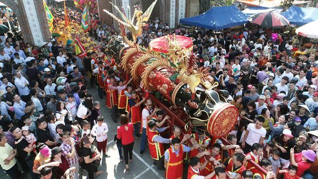 Hàng nghìn người tham dự Lễ hội rước pháo Đồng Kỵ Tết Kỷ Hợi - Ảnh 1.