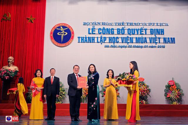 NSND Nguyễn Văn Quang: 44 năm tâm huyết và mong được đi cùng Học viện Múa Việt Nam trên chặng đường mới  - Ảnh 1.