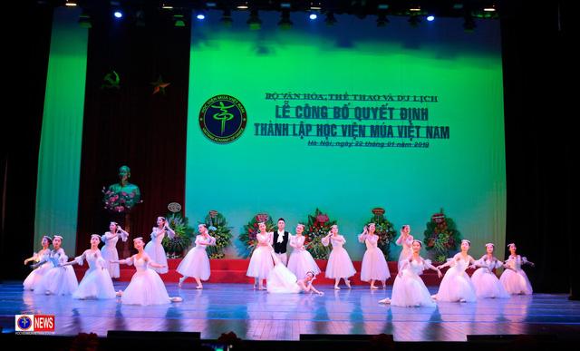 NSND Nguyễn Văn Quang: 44 năm tâm huyết và mong được đi cùng Học viện Múa Việt Nam trên chặng đường mới  - Ảnh 3.