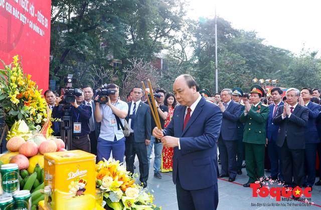 Thủ tướng Nguyễn Xuân Phúc trao Bằng xếp hạng Di tích Quốc gia đặc biệt gò Đống Đa - Ảnh 4.