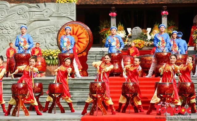 Thủ tướng Nguyễn Xuân Phúc trao Bằng xếp hạng Di tích Quốc gia đặc biệt gò Đống Đa - Ảnh 13.