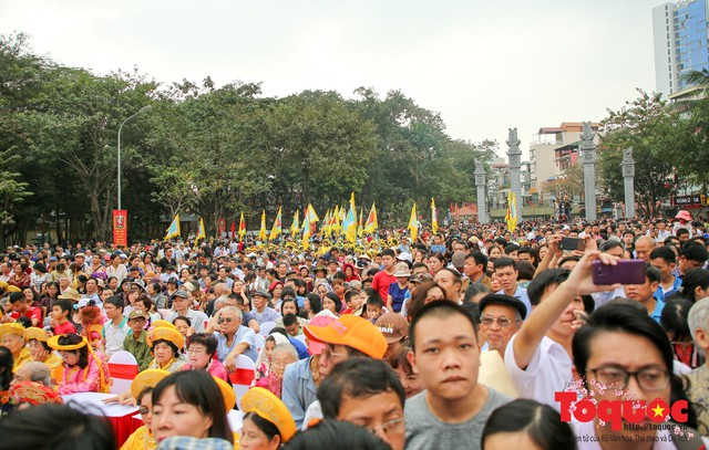 Thủ tướng Nguyễn Xuân Phúc trao Bằng xếp hạng Di tích Quốc gia đặc biệt gò Đống Đa - Ảnh 11.