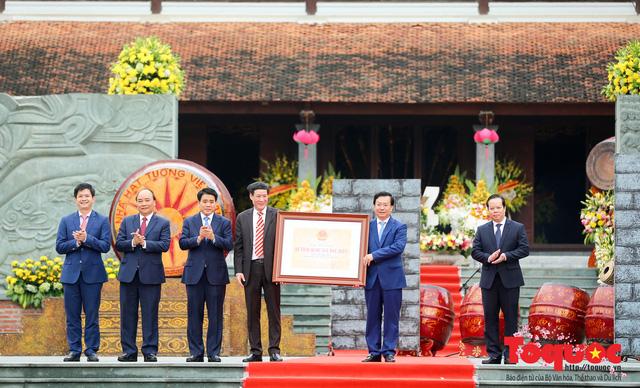 Thủ tướng Nguyễn Xuân Phúc trao Bằng xếp hạng Di tích Quốc gia đặc biệt gò Đống Đa - Ảnh 7.