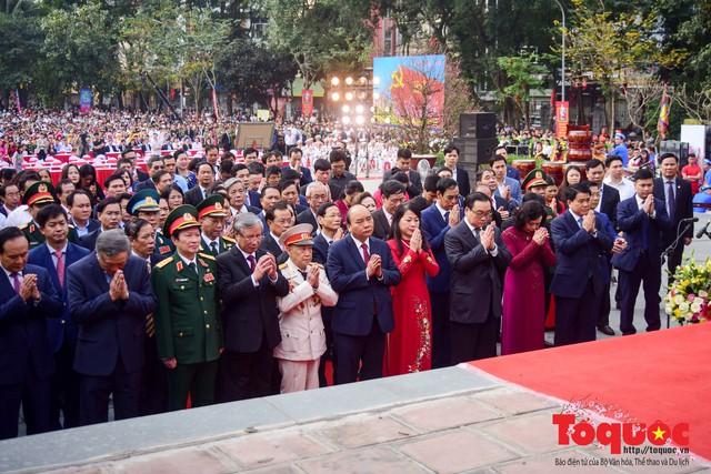 Thủ tướng Nguyễn Xuân Phúc trao Bằng xếp hạng Di tích Quốc gia đặc biệt gò Đống Đa - Ảnh 3.